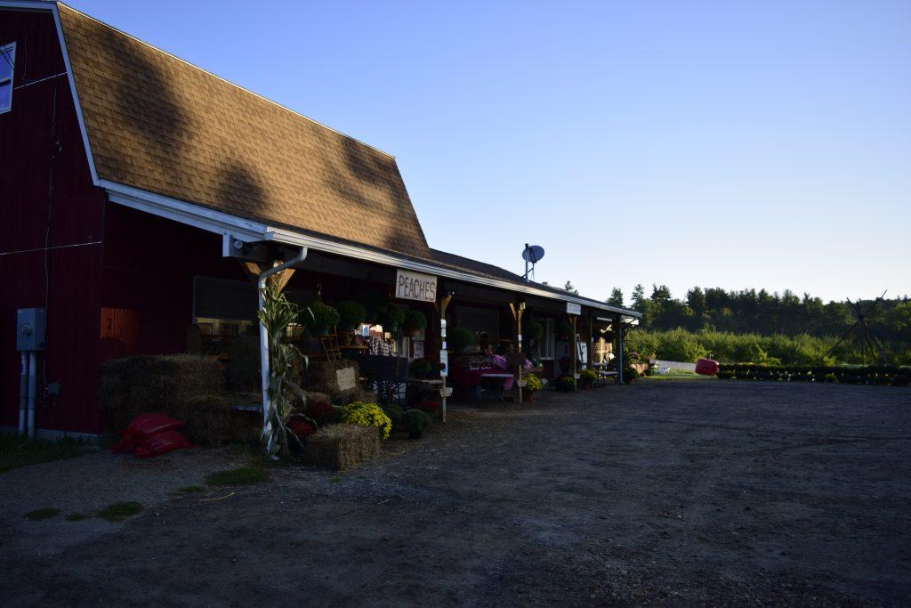 Hager's Farm Market at dusk